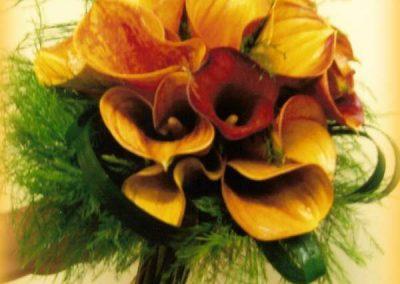Bouquet de calas y mango