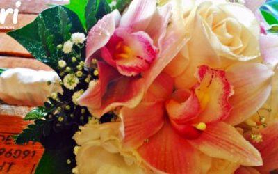 """Decoración floral para unas Bodas de Oro muy """"CUÉNTAME""""."""