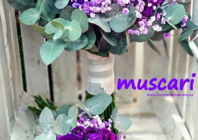 Bouquet de lisianthus morado, paniculata tintada y eucaliptus