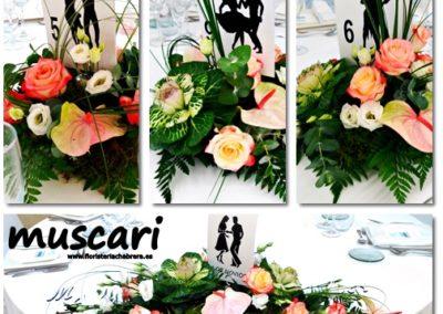 Centros florales de comensales en El Palasiet